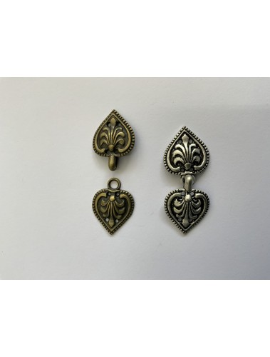 Clasp Heart Gold or Silver