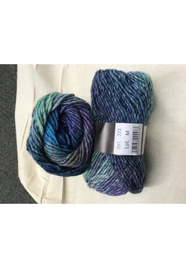 Noro Hat kit Blue greens