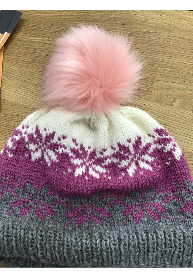 Snowflakes hat pattern