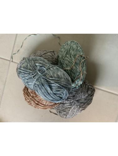 5 balls of sparkly yarn