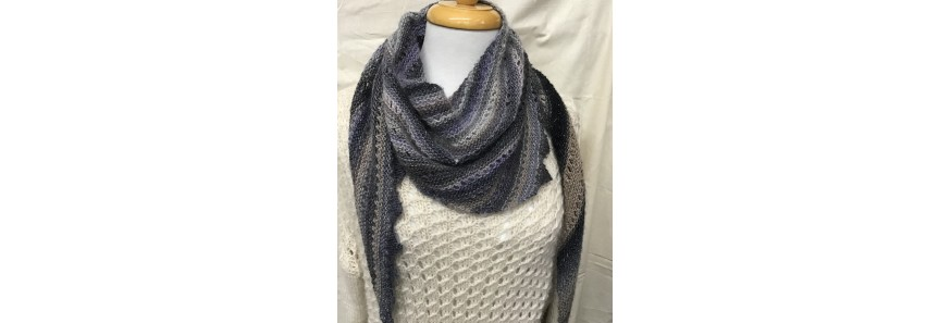 Little dragon Shawlette Kit